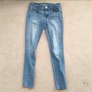 Low Rise AE Medium Wash Jeggings